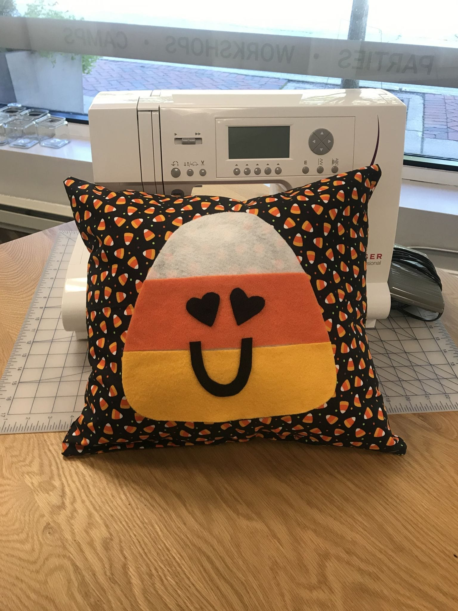 Halloween Pillow: Weekend Workshop, Sunday, Sept. 26 from 1-3:00 PM